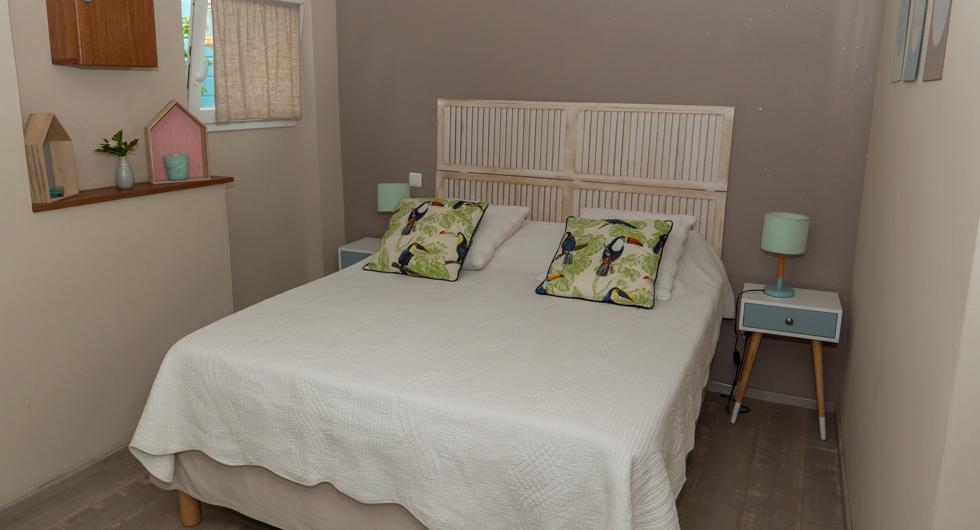 Cote-lagon-cabane-bedroom