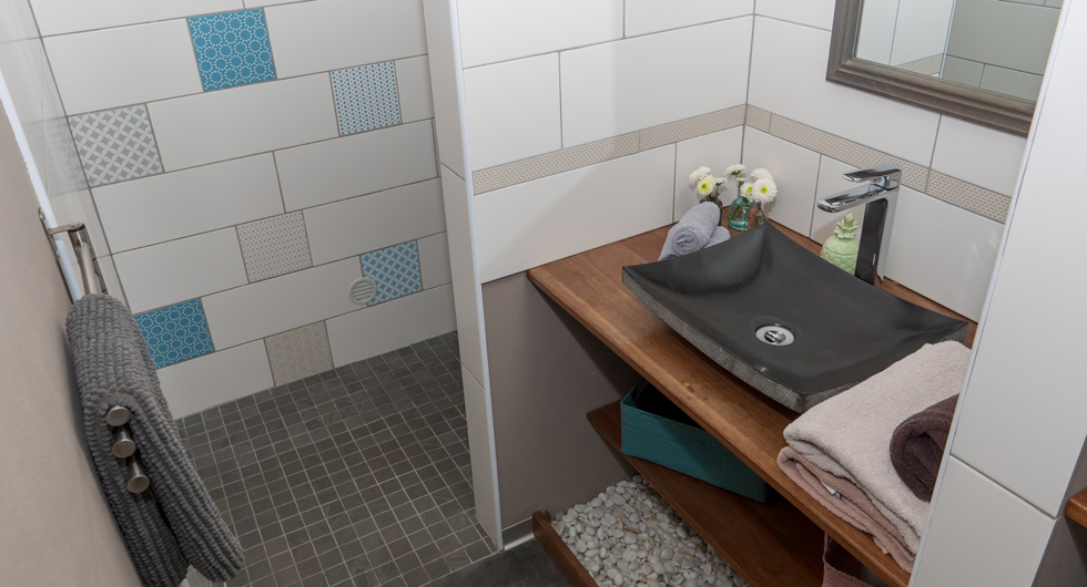 Cote-lagon-bathroom