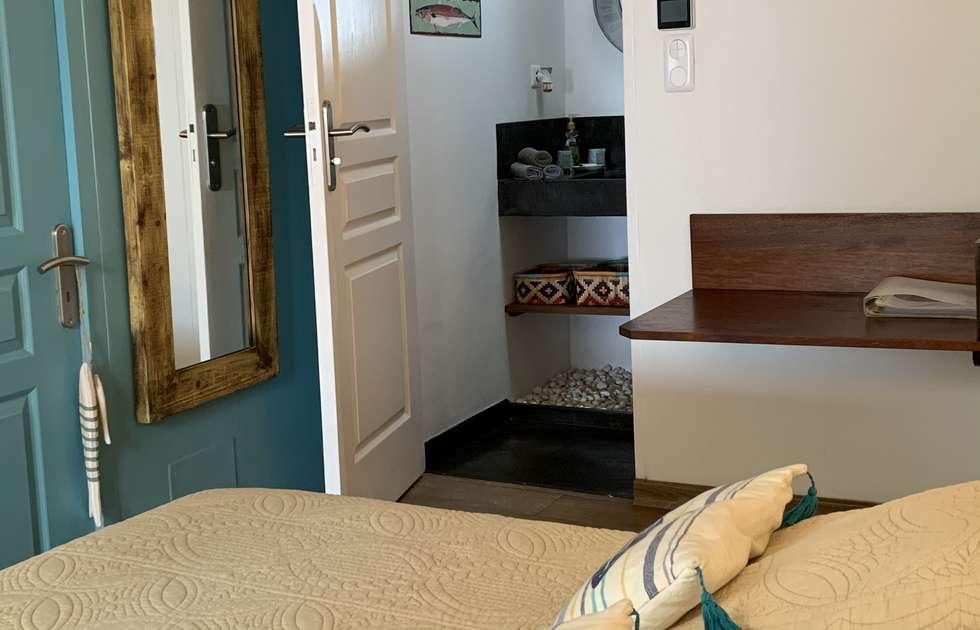 Übernachtung Und Frühstück Carambole - Innenansicht Und Badezimmer
