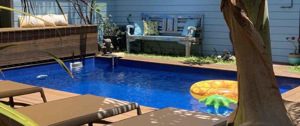 Cote-lagon-schwimmbad